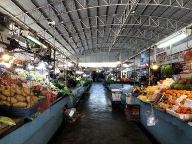 ローカルでこじんまりした「ロンポー市場」は、ジョムティエン自炊勢にありがたい存在
