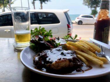 正面ビーチのカウンター席、安くてお洒落なカフェレストラン「Surfbeach Restaurant」