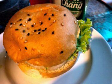 夜、ハンバーガーが恋しくなったら「MAMA BERGER」@ジョムティエン